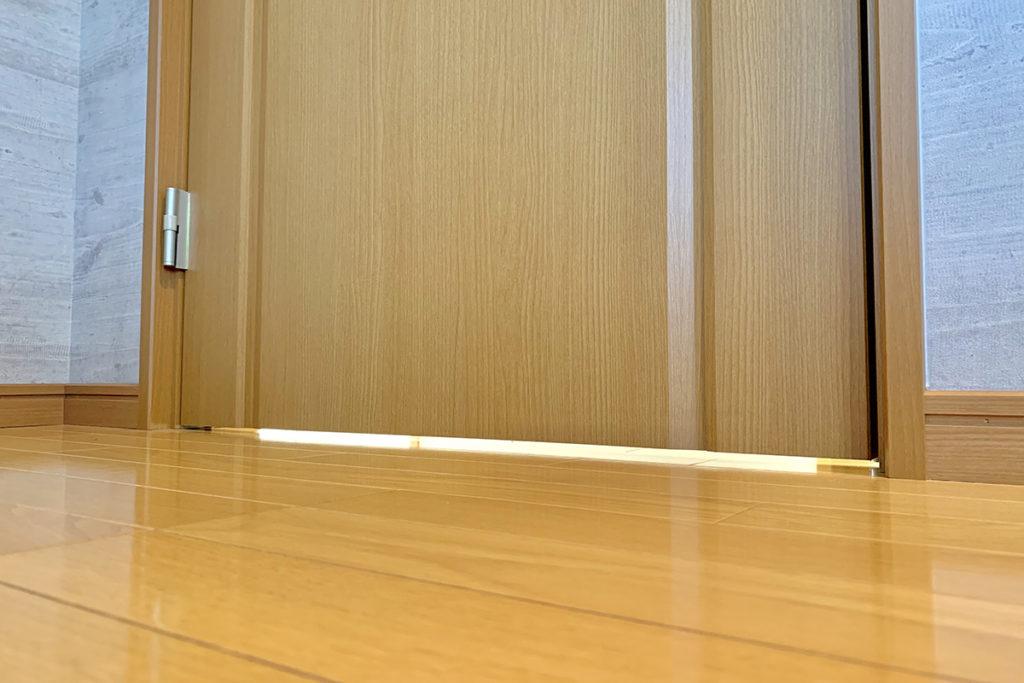 ドアの防音はすき間テープで対策!お金と手間をかけずに行う防音対策